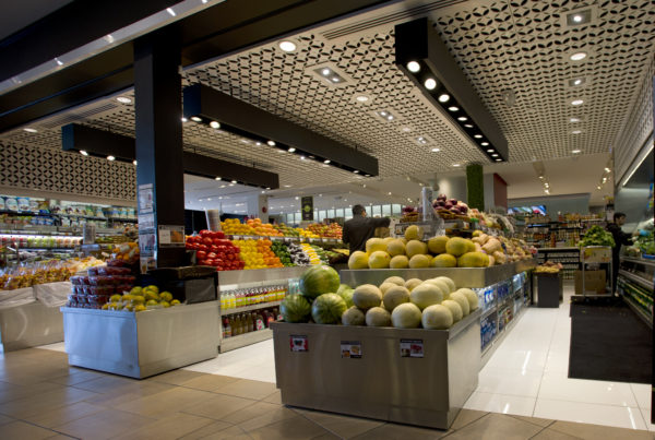 Convenience store with fresh food options